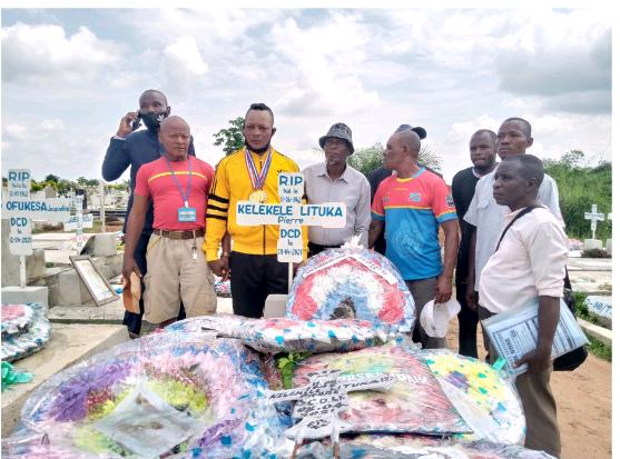 Social : Papy Lemba champion d'Afrique de boxe catégorie mi-lourd, rend hommage au champion du monde Kelekele Lituka