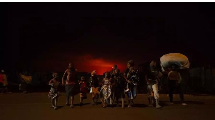 Goma : les habitants évacuent la ville; le volcan Nyiragongo entre en éruption